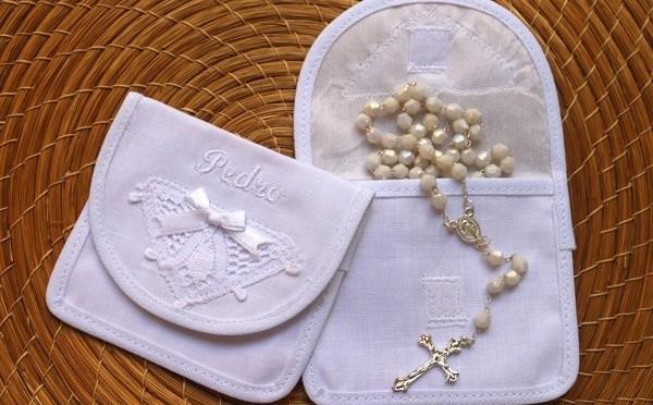 10 itens charmosos de batizado: roupas, lembrancinhas e acessórios lindos e delicados