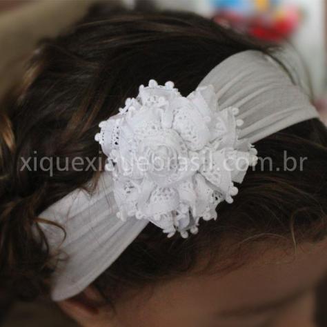 Tiara faixa de cabeça com renda renascenca para batizado de bebêTiara faixa de cabeça com renda renascenca para batizado de bebê