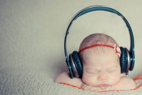 bebê dormindo com música de ninar