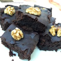 Brownie de frijoles negros y chocolate