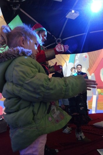 Robot dancing at Santa's Grotto, Bullring