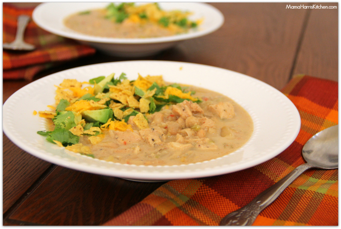 Slowcooker White Bean Chicken Chili #SlowcookerMeals - Mama Harris' Kitchen