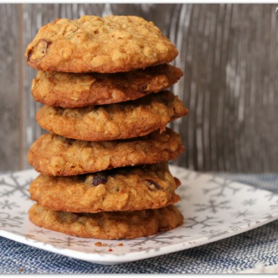 Oatmeal Recipes: SPIKED Holiday Oatmeal Cookies!