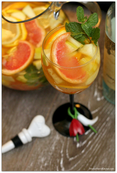 Romantic Brunch dreaming tree white everyday wine Sexy Sangria Msg 4 21+ #EntertainAndPair AD | Mama Harris Kitchen