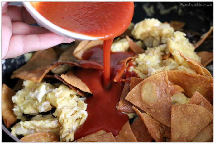 Easy Chilaquiles Rojos with Cacique #CaciqueHowTo #GoAutentico #socu #ad | Mama Harris' Kitchen