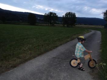 Kurzer mit Laufrad