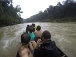 Vuelta casi rafting