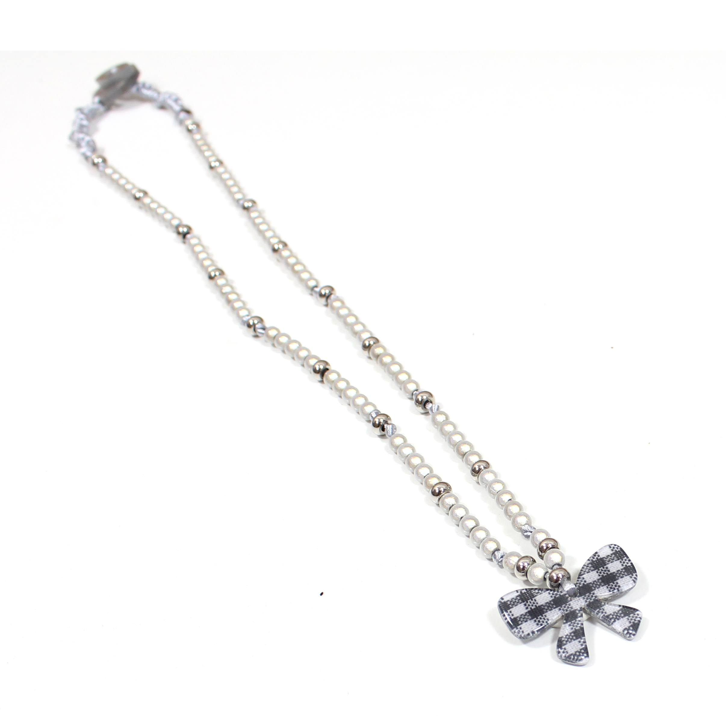 white necklace us viena freswater pearl bow mixed