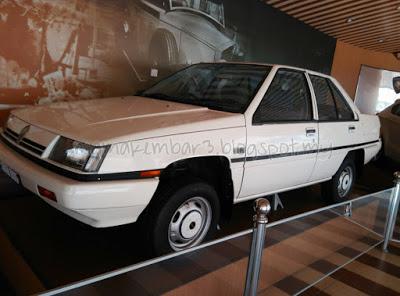 Kereta Proton Saga di Muzium Negara