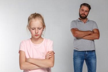 娘の反抗期がひどいとお悩みの方へ。ひどくなる原因と対処法