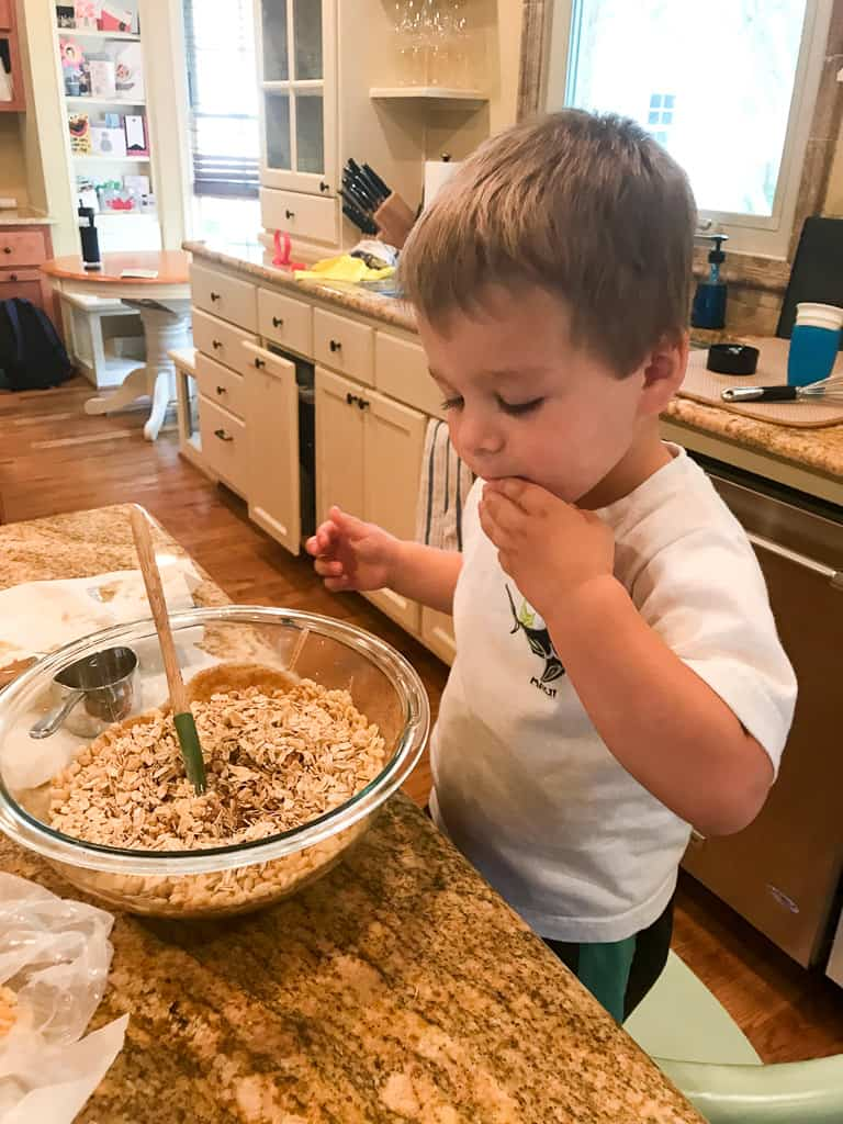Kitchen Tasks for Toddlers | mamaknowsnutrition.com