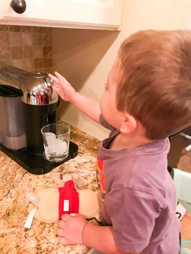 Toddler Help in Kitchen (3 of 13)