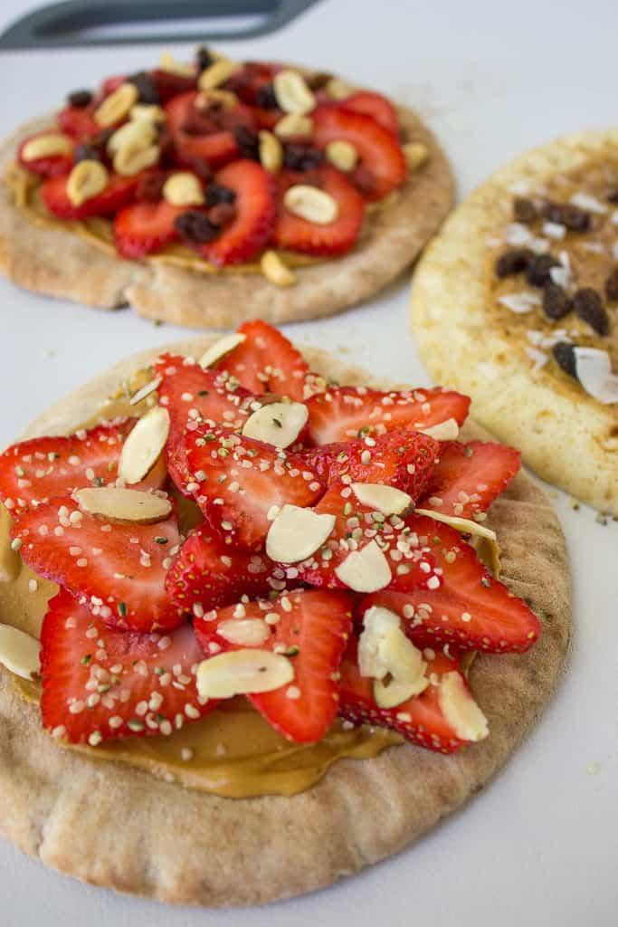 trail mix pita pizza   mamaknowsnutrition.com