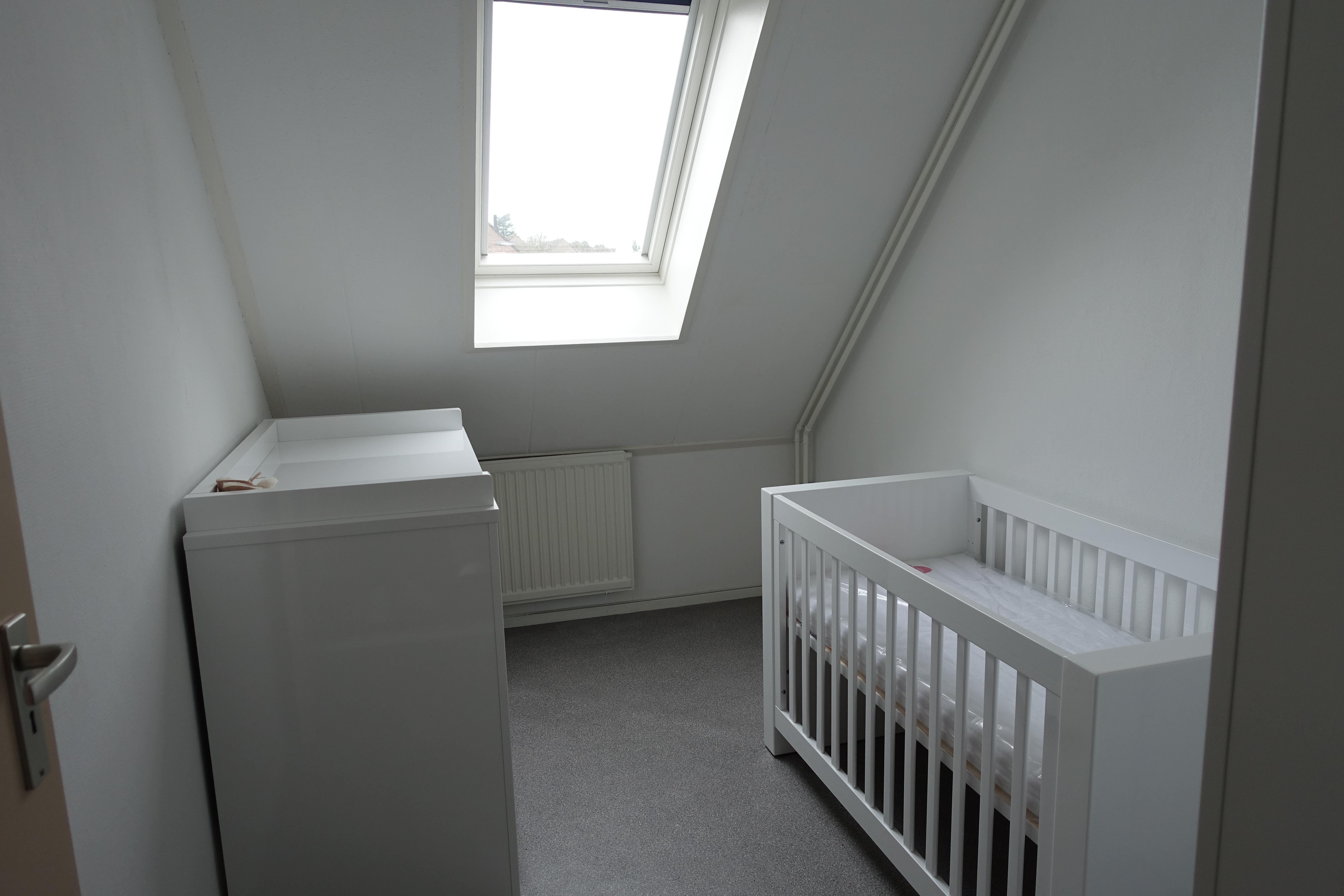 Babykamer In Nisje : Mamashowt project babykamer mamakraamt