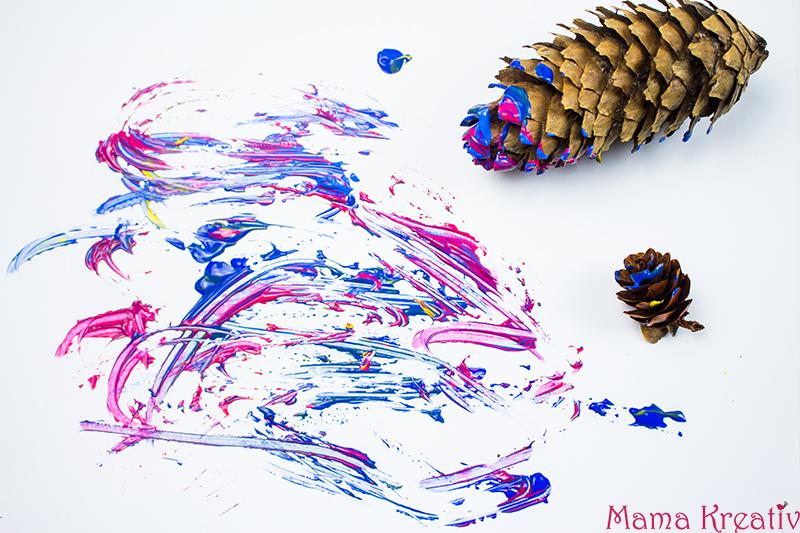 malen-im-winter-mit-kleinkindern-mit-zapfen