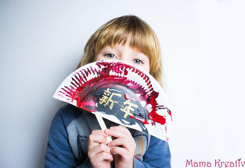China basteln mit kindern chinesische fächer aus papptellern