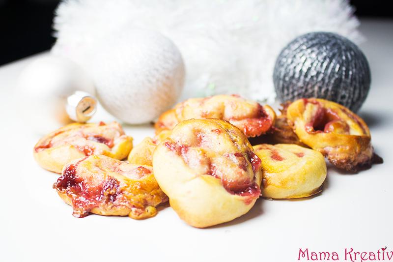 partyschnecken, zimtschnecken, erdbeer frischkäse füllung. füllung, rezept