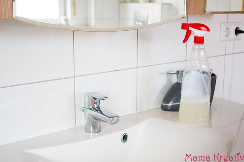 Badreiniger selber machen - Haushaltstipps: Putz Hacks die dein Leben erleichtern - Tipps und Tricks - Wohnung oder Haus putzen - DIY Reiniger Küchnreiniger Badreiniger mit Hausmitteln selber machen - Haushalt aufräumen - Putzplan erstellen - Frühjahrsputz - Neujahrsputz