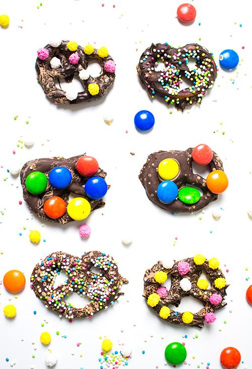 Faschingsparty Rezepte - bunte Fasching Snacks und Ideen- bunte Schokobrezeln