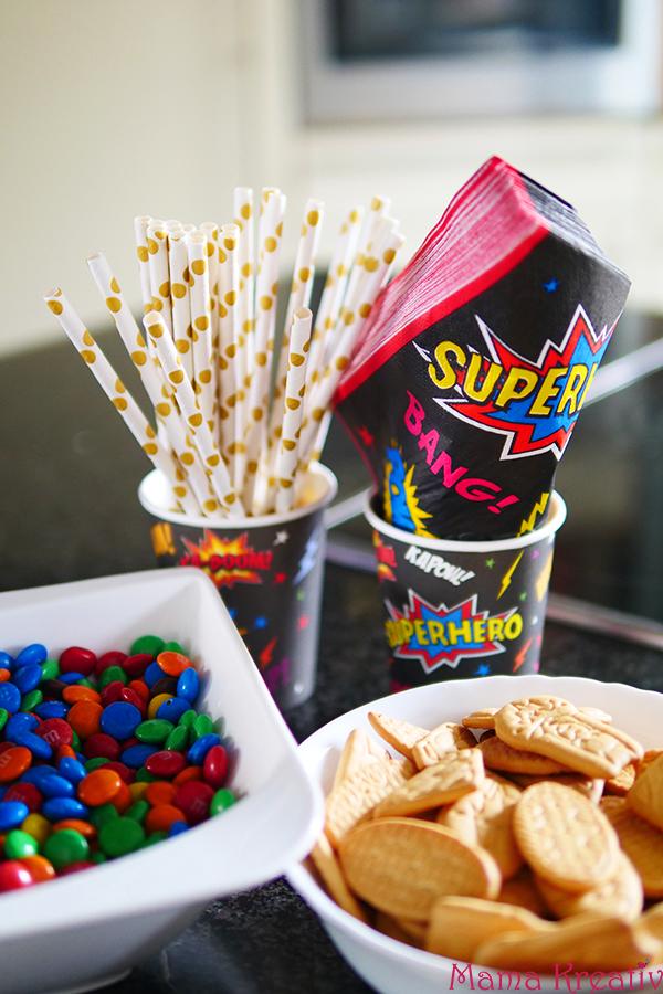 Superhelden Geburtstag Ideen Deko Spiele und Rezepte