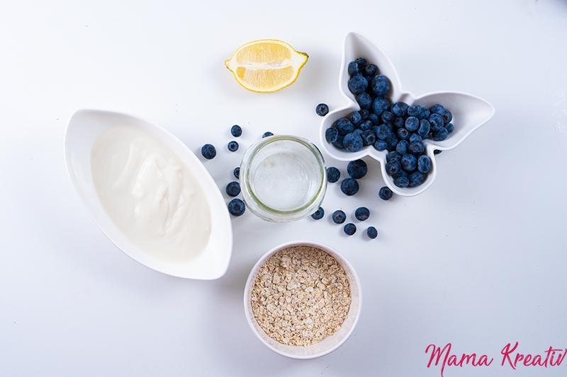 Overnight Oats mit Joghurt und Blaubeeren - overnight oats rezept selber machen schnell und einfach mit banane chia himbeeren blaubeeren mango apfel ideen toppings auf deutsch