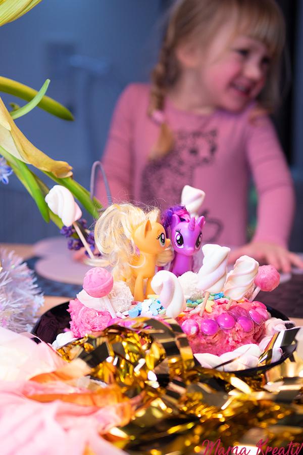 Einhorn Geburtstag Einhorn Torte Party Ideen Rezepte Spiele Deko Einladungen Einhorn Kuchen Kindergeburtstag