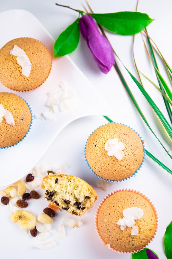 Kokosmuffins mit Schokolade Rezept Muffins mit Kokos und Schokodrops schnell und einfach