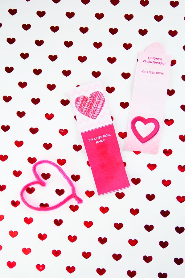 Basteln mit Kindern zum Valentinstag mit Vorlagen Karten Herzen Girlande Lesezeichen DIY Geschenke Valentinstag Bastelideen Geschenkideen