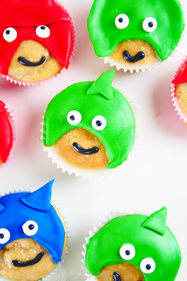 PJ Masks Muffins backen - PJ Masks Party Ideen: Basteln, DIY und Rezepte für Geburtstag oder Karneval - Kostüme für Kinder