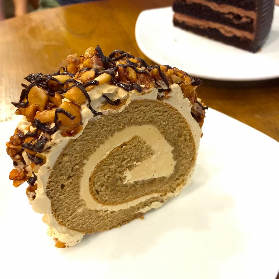 Coffee Crunch Roll Cake - Desserie Sweet Cafe Terminal 21