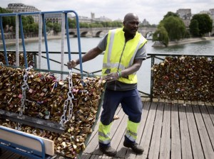 paris love locks 4