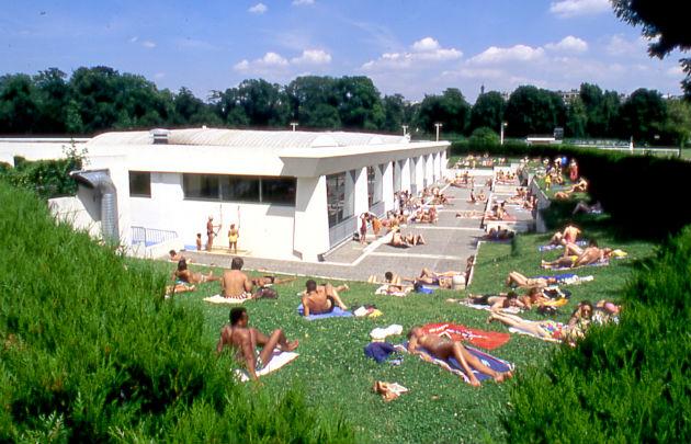 The ten best outdoor pools in paris for Piscine hebert