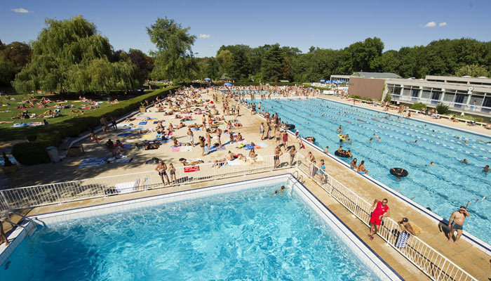 The ten best outdoor pools in paris - Horaire piscine villeneuve la garenne ...
