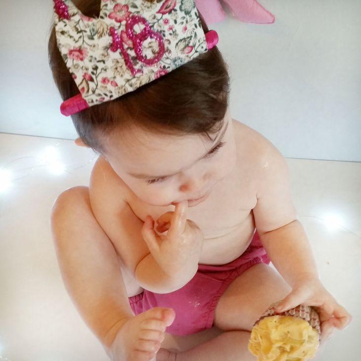 Con su corona de 18 meses