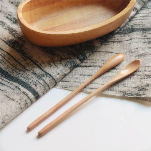 Montessori low-cost. Cucharitas de madera