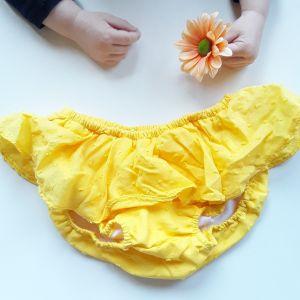 Armario de niñas low-cost. Cubrepañal amarilo.