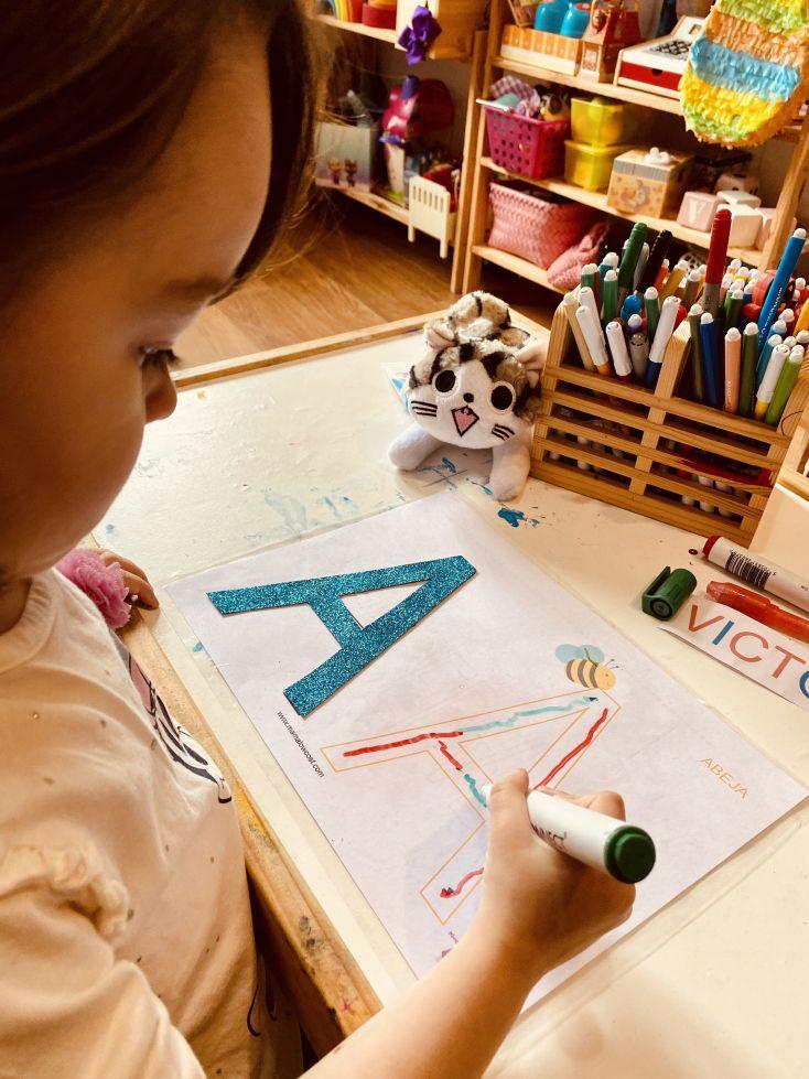 Victoria trabajando la letra A