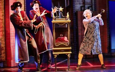 Gangsta Granny: WIN tickets to see David Walliams' childrens book live on stage