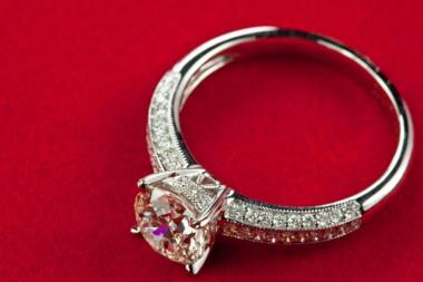 Fake Wedding Rings  18 fake wedding rings that looks like the