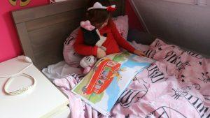 Nola leest voor uit Muisje Gijs - kinderboekenmaand