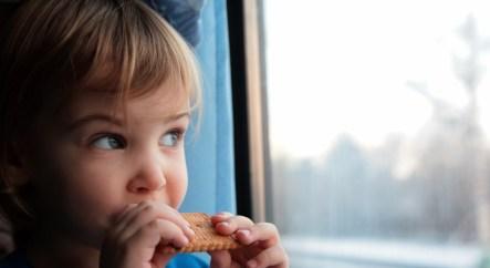 чем кормить ребенка в поезде