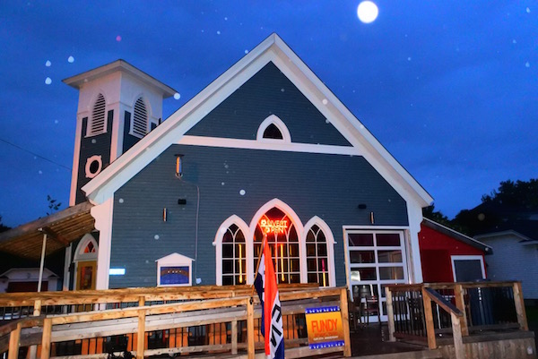 eglise-bar-fundy