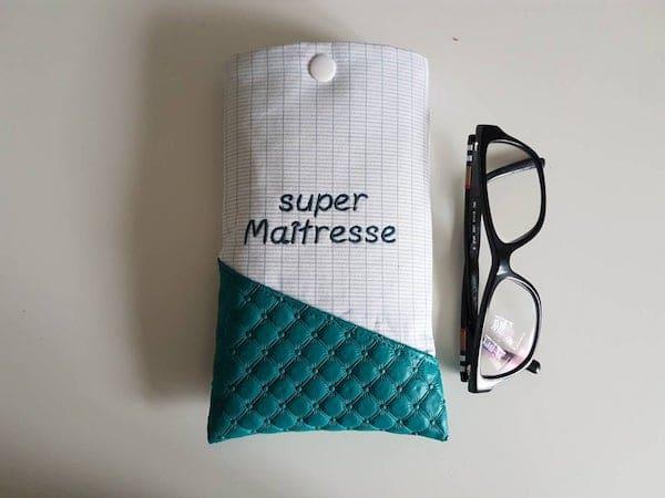étui à lunettes cadeau maitresse