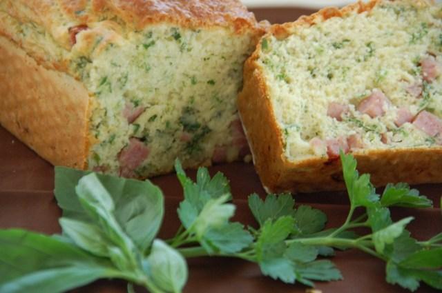Cake aux herbes et jambon