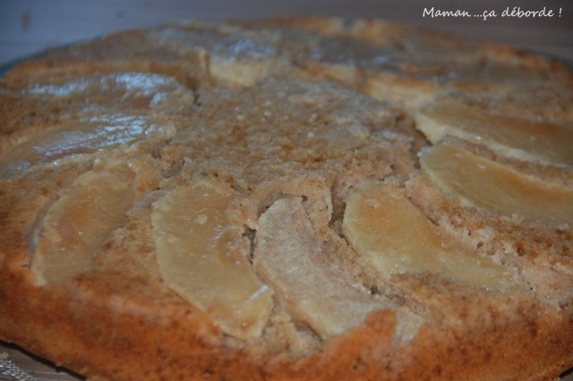 Gâteau à la farine d'épeautre et lait d'amande au caramel au beurre salé