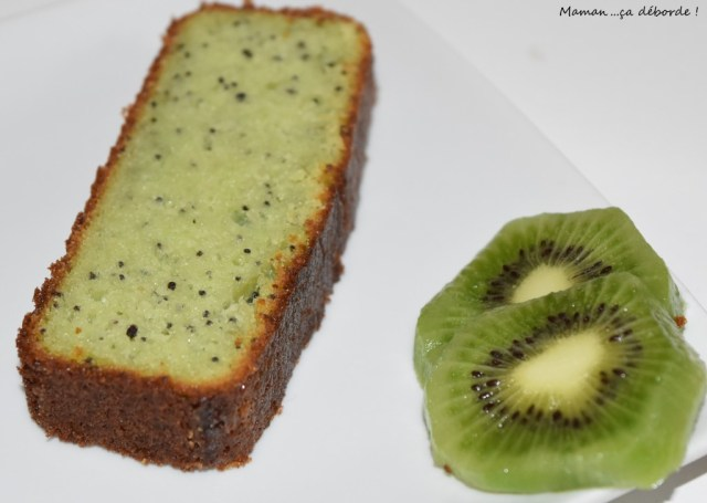 Gâteau amande, kiwi et pavot