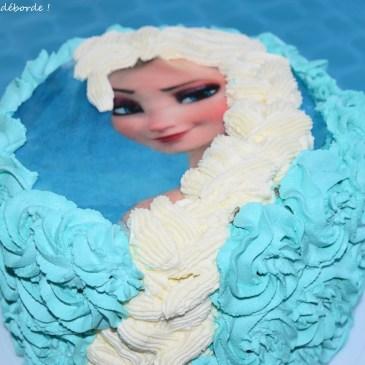 Gâteau Reine des Neiges – Pinata Cake