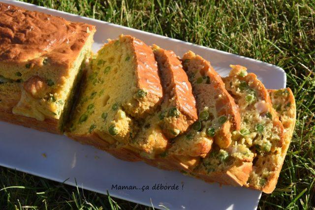 Cake petits pois, comté et lardons