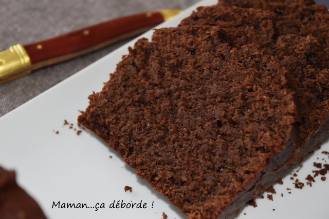 Cake au chocolat, amande et sésame