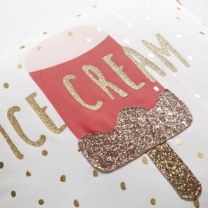 Coussin blanc imprimé glace